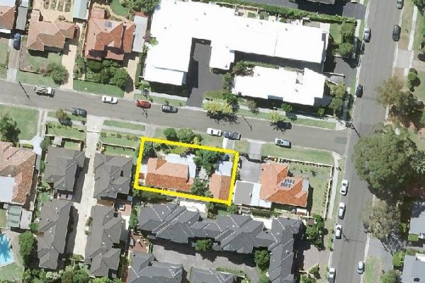 CARINGBAH  – Renovate or redevelop